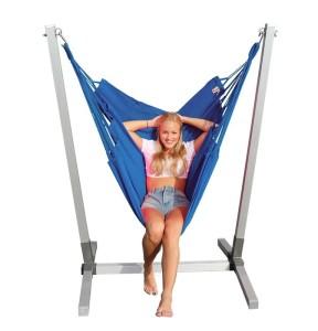 Alu standaard met  blauwe NewLine hangstoel